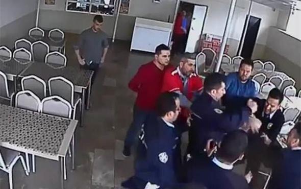 İhbar üzerine gelen polis, okul müdürünü tartakladı!