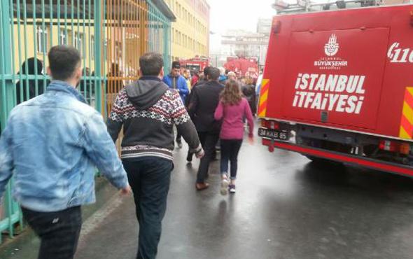 Zeytinburnu'da okulda korkutan yangın! Veliler fenalık geçirdi
