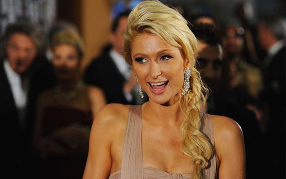 Paris Hilton servet değerindeki yüzüğü düşürdü
