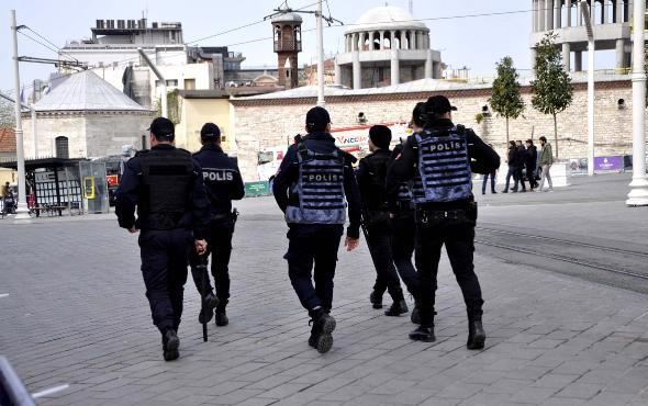 Gerginlik tırmanıyor! Taksim'de CHP'lilere polis engeli