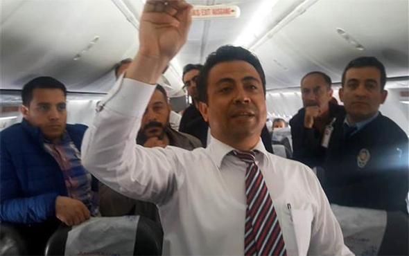 Uçakta gergin dakikalar: Yolculardan büyük tepki!