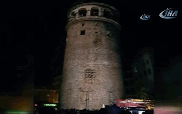 Büyüleyici anlar! Galata Kulesi bir anda rengarenk oldu