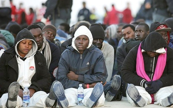 İsrail 40 bin Afrikalı göçmene tahammül edemiyor