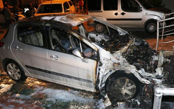 Eski eşinin arabasını yakıp polise teslim oldu
