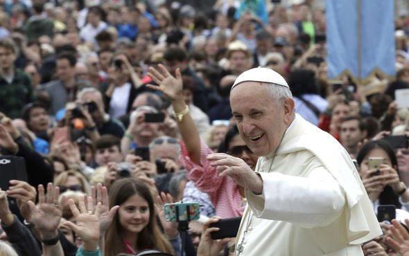 Papa'dan İslamiyet ve terörizm açıklaması