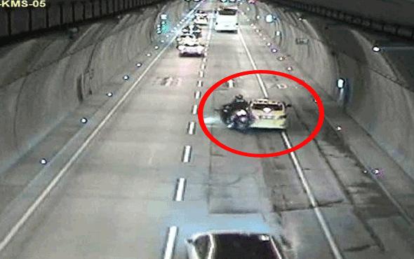Motosiklet sürücüsü aniden duran taksiye böyle çarptı