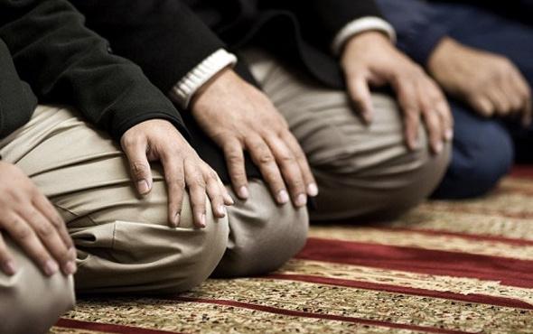 Cuma duası her kim ki Cuma ezanı ile sela arasında bunu okursa...