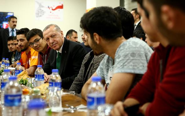 Erdoğan 'çayınız hazırsa geliyorum' dedi ve oraya gitti