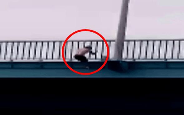 Dünyaca ünlü ırmağın köprüsünden tehlikeli atlayış!