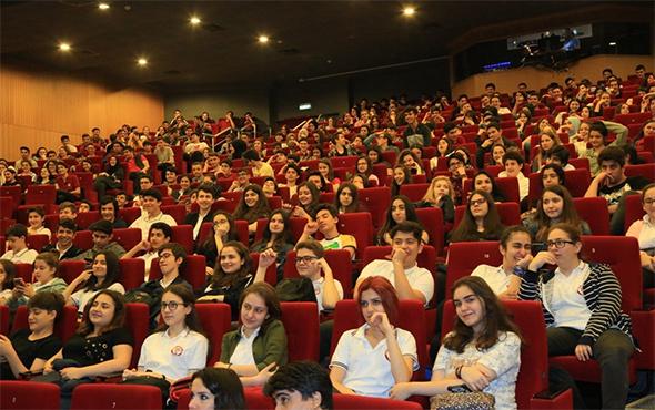 İBB üniversite sınavına gireceklere rehberlik ediyor