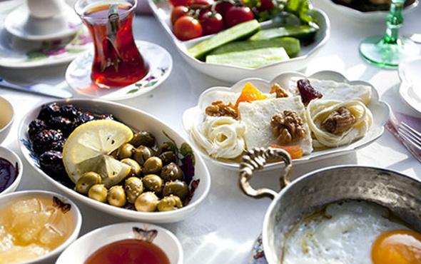 Ramazan bayramında beslenme nasıl olmalıdır? İşte 10 altın öneri!