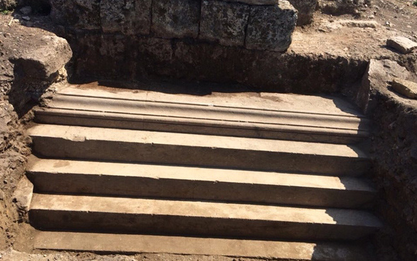 Antalya'da dünyanın ilk kadın belediye başkanının mezarı bulundu