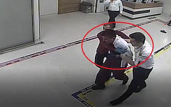 Şoke eden görüntü: Doktorun yüzüne böyle tekme attı!