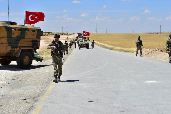 Türk askeri devriyedeyken bombalı saldırı alarmı!