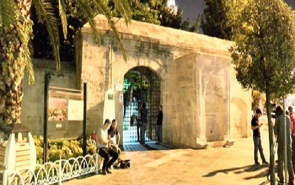 Fatih'te cami bahçesinde dehşet veren olay!