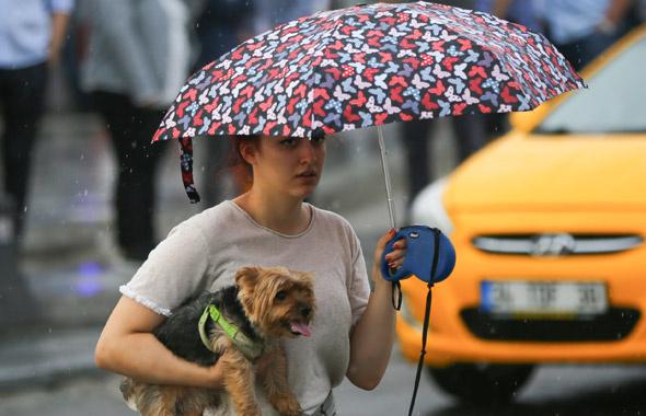 20 ilde kuvvetli yağmur 2 ilde dolu var! Meteoroloji yeni yayınladı