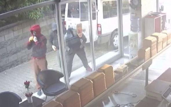 Kasap dükkkanındaki hırsızlık kameralara böyle yansıdı