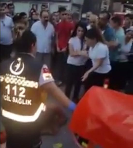 Tacizciyi sokak ortasında hadım etti! Ankara'da şok görüntüler