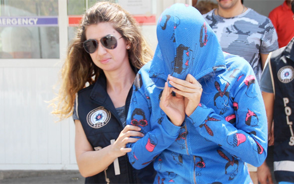 Adnan Oktar'ın 'kediciği' güneşlenirken gözaltına alındı