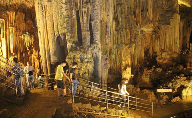 Bu mağaranın astıma şifa olduğuna inanılıyor ziyaretçiler akın ediyor!