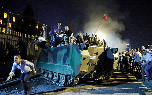 Türkiye'nin en uzun gecesi 15 Temmuz'da neler yaşandı?