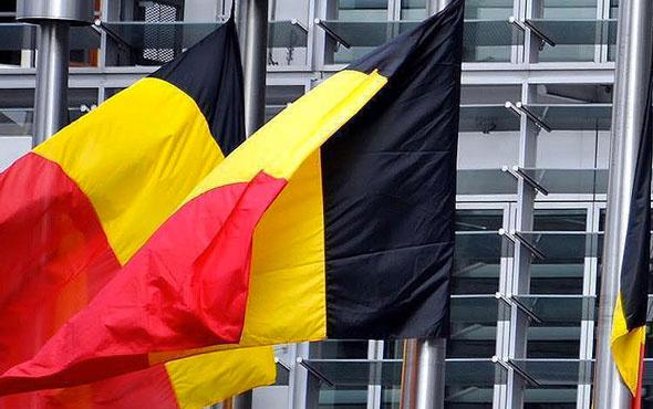 Belçika cinsel ilişki yaş sınırını 14'e indirdi!