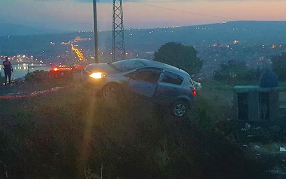 İnşaat uçurumunu son anda fark etti: Otomobil asılı kaldı!