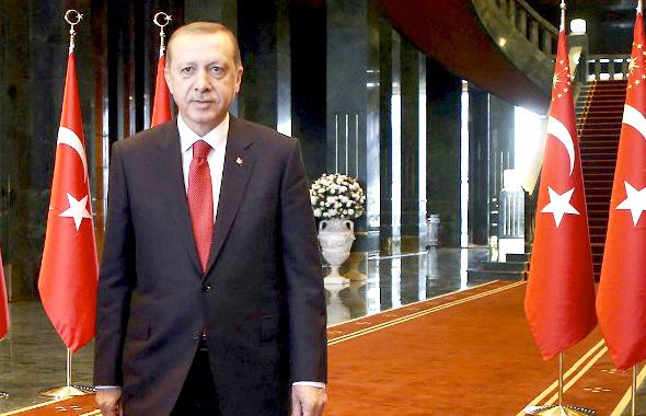 Erdoğan'ın yeni hükümet törenine davet ettiği 2 isim bomba!
