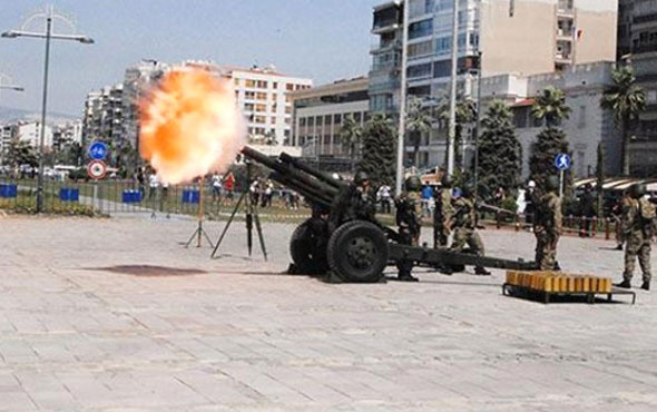 Erdoğan için İzmir'de top atışı