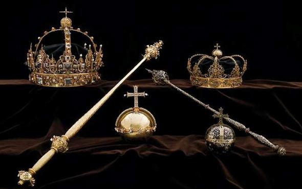 İsveç kral ve kraliçesinin tacı çalındı