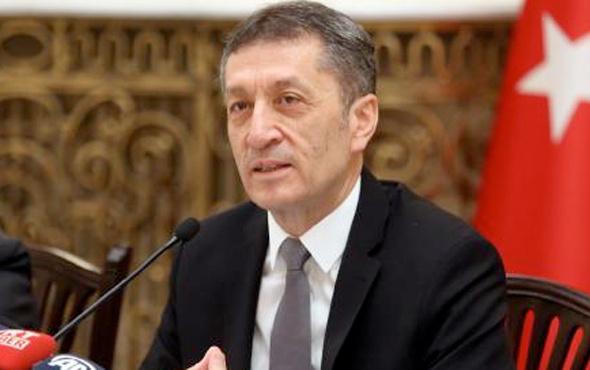 Milli Eğitim Bakanı Ziya Selçuk'tan sürpriz hamle