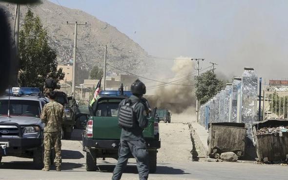 Afganistan'da bayram sabahı saldırı!