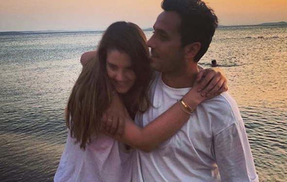Ferhan Şensoy kimdir kaç yaşında bakın kocası Cem Öğet kim?