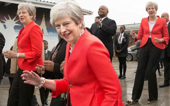 Başbakan dans etti tüm ülke dalga geçti! Theresa May oynarsa...
