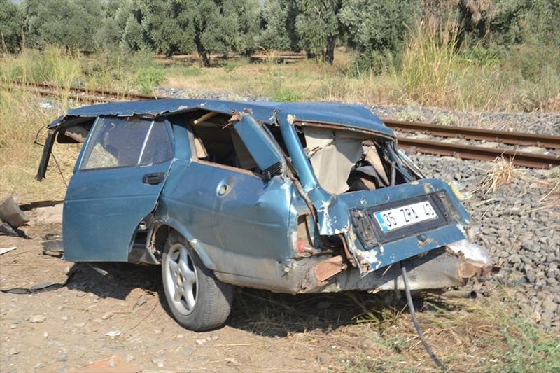 İzmir'de feci kaza! Otomobil ikiye bölündü - Sayfa 2