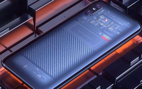 Xiaomi Mi 8 Pro geliyor!