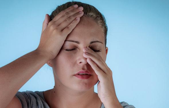 Sinüzit kör ediyor en önemli 12 belirtisi! Sinüzit ilacı ameliyatı mı çözüm?