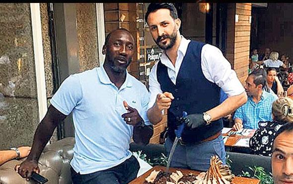 Dünyaca ünlü futbolcu İstanbul'da kilolarca et yedi!