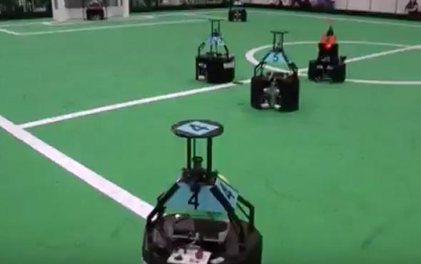 'Robot Futbol takımı' 3. nesil futbolcu üretimine başlıyor