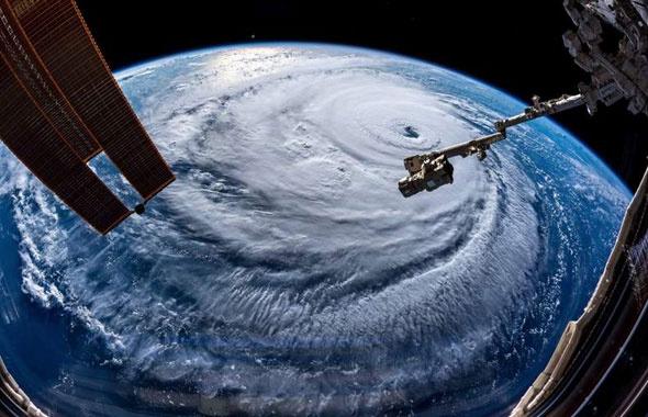 Florence kasırgasının dehşet görüntüsü NASA çekti ABD'lilerin ödü koptu