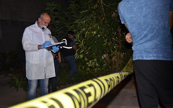 Kötü kokular üzerine girilen metruk binada erkek cesedi bulundu!