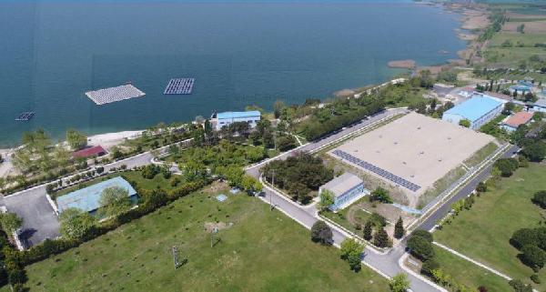 İBB gölün üstüne yüzer güneş enerji sistemi kurdu sonuca bakın!
