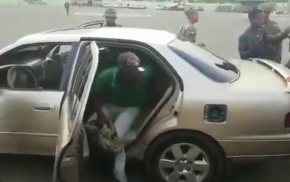 Bu arabadan kaç kişinin indiğine inanamayacaksınız