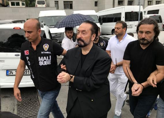 Adnan Oktar örgütünde üst düzey yöneticiden 'infak' itirafı!