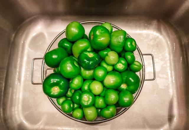 Yeşil domates tomatillonun faydaları inanılmaz! Kelliğin ilacı kabuklarında...