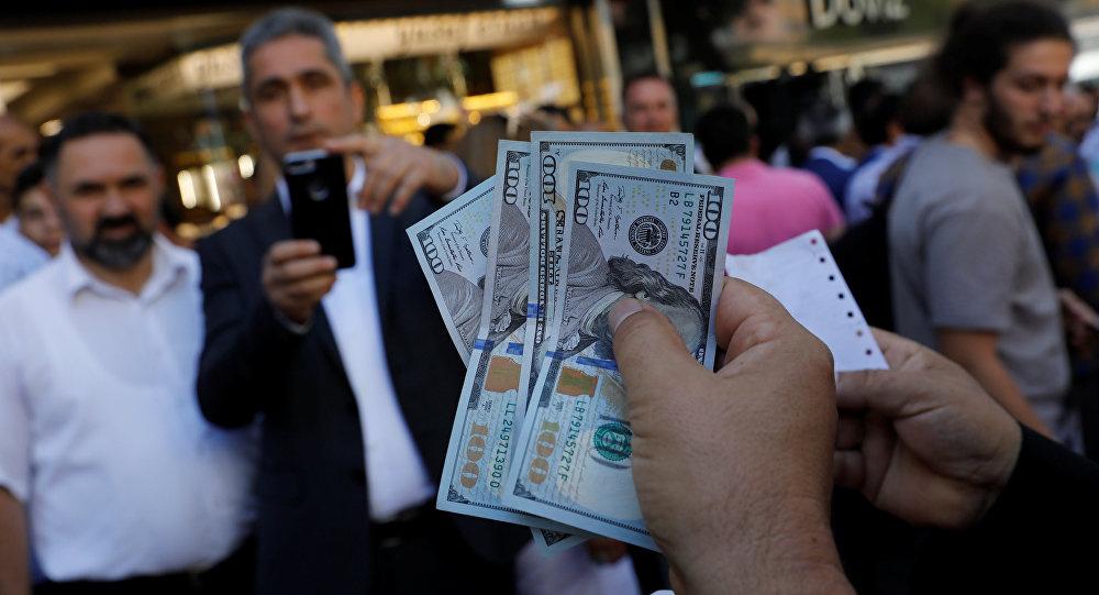 Dolar alınır mı? Bugün avro ve dolar düşmeye başladı sebebi de...