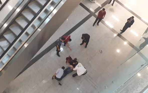 Atatürk Havalimanı'nda korkunç olay! Herkesin gözü önünde..