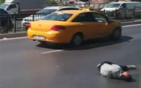 'İnsanlık öldü' dedirten görüntüler: Kimse dönüp bakmadı!