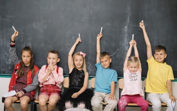 1. sınıfa başlayan çocuğa nasıl davranmak gerekir?