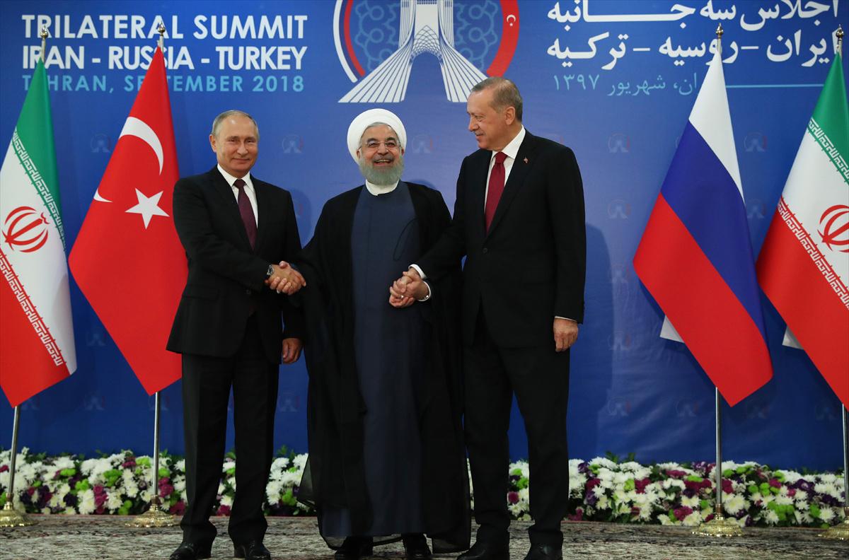 Tahran Zirvesi'nde olay an! Erdoğan dünyanın önünde Putin ve Ruhani'yi...